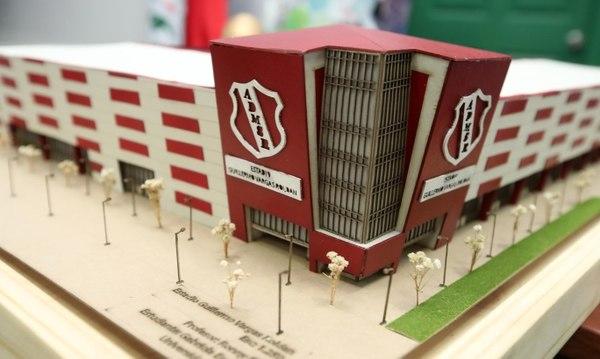 Estudiantes se lucen con propuestas para remodelar los estadios de Tiquicia